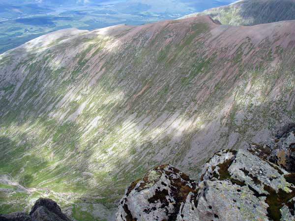 Carn Mor Dearg Arete from summit